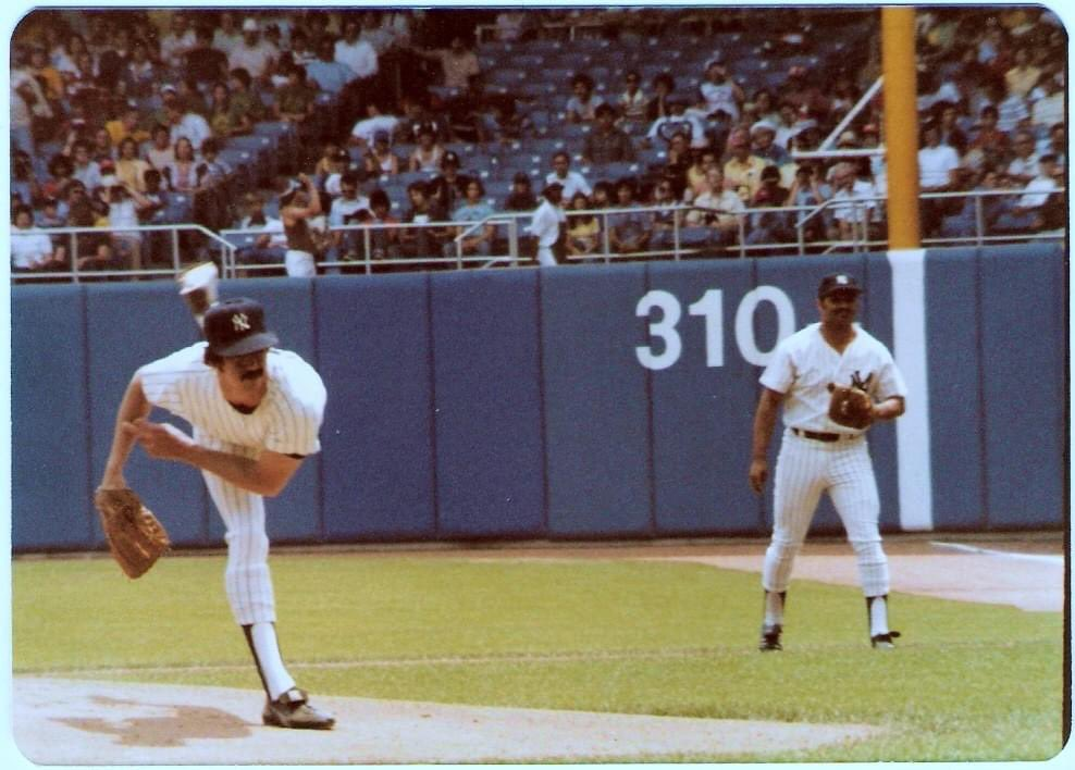 Ron Guidry (Chris Chambliss at 1st) at Yankee Stadium July 2, 1978. With 25 wins Gator picked up the Cy Young that year and finished 2nd (behind Jim Rice) in the MVP voting. Photo: Larry Kapit https://t.co/HQlXkHwuPM