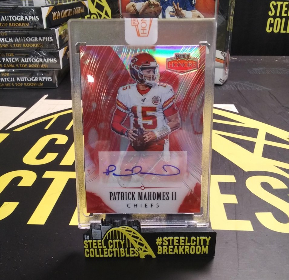 ANOTHER HUGE HIT!!  From 2020 @PaniniAmerica Honors FB, @PatrickMahomes Auto #5/7!!  Check out our other breaks for more big hits right here:   #SteveDoesItAgain #Panini #Mahomes #Honors #NFL