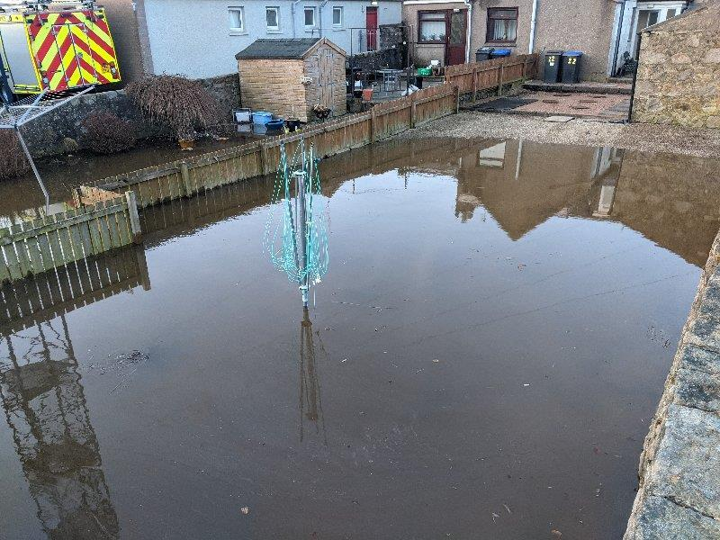 Flood-hit Kintore residents call for prevention measures in Aberdeenshire town dlvr.it/RtKmt5