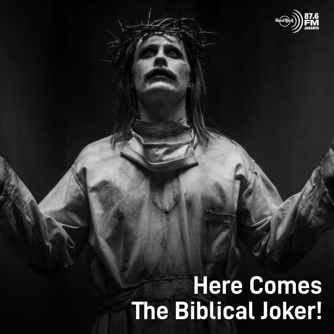 #HRFMNews Ga habis-habis merilis teaser, kali ini penampilan Joker berbeda dari sebelumnya. Snyder jg merilis foto Ben Affleck sbg Batman dan Amber Heard sbg Mera.  Snyder jg mengungkapkan, untuk produksi effects & musik, Warner Bros mengeluarkan biaya kurang lebih $70 juta USD!