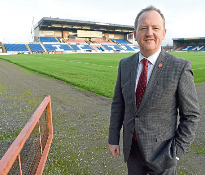 Caley Thistle make 'progress' in finding a temporary replacement for boss John Robertson dlvr.it/RtKtHM