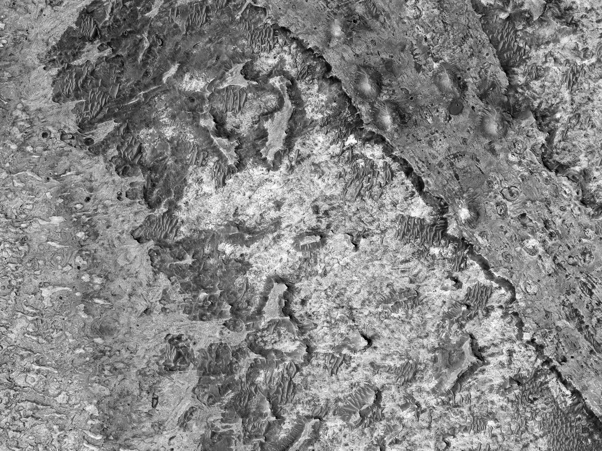 """Hi4K: Meridiani Planum Outcrops The outcrops of bedrock in this region of Mars never get tiresome to look at. This observation not only has a bounty of them, but is also good for imaging when the camera is pointing straight down (called """"nadir""""). flic.kr/p/2kEoLt8"""