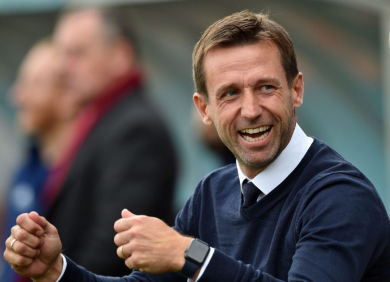 Caley Thistle appoint Neil McCann as temporary manager dlvr.it/RtLJ0y