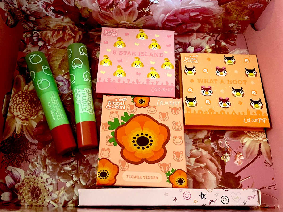 My #animalcrossingxcolourpop makeup came in today!!! I can't wait to try everything on!  The only downside is I thought the palettes would be a tad bigger.