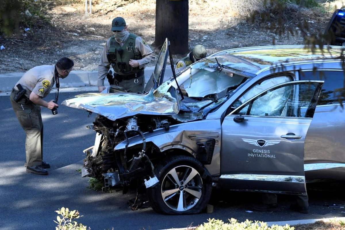 Golf great Tiger Woods suffers serious leg injuries in car wreck