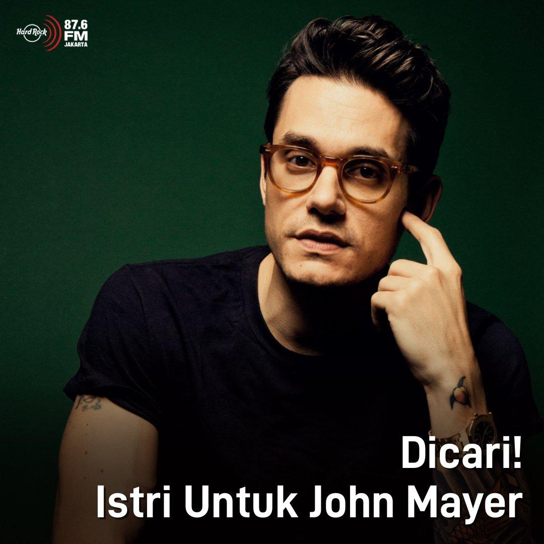 """#HRFMNews """"There's one thing left and that's wife and kids. That would complete all of it"""", kata John Mayer saat ditanya bucket list yg belum kesampaian.  Melalu interviewnya dg Andy Cohen, John Mayer katanya udah siap punya istri! Cepetan, banyak-banyak caper gih biar dilamar!"""