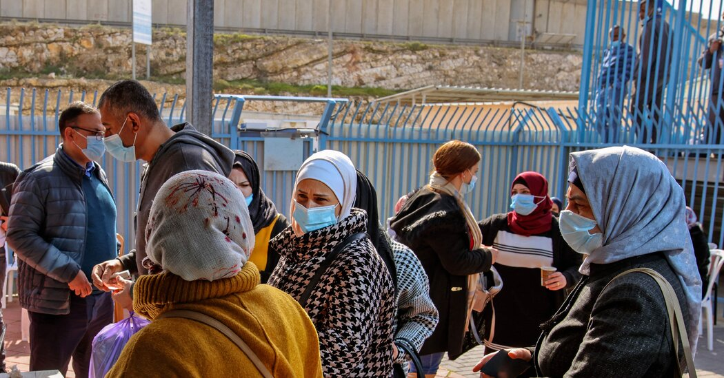 Israel Gives Vaccine to Far-Off Allies, as Palestinians Wait Photo