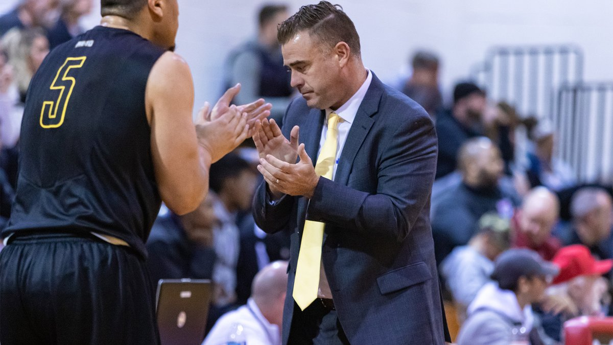 Fans: Listen to @saintrosembb HC Mike Perno with @RodgerWyland and @chrisonorato on ESPN Radio @1045TheTeam at noon, ahead of today's 1pm game. bit.ly/2lI2Y0V