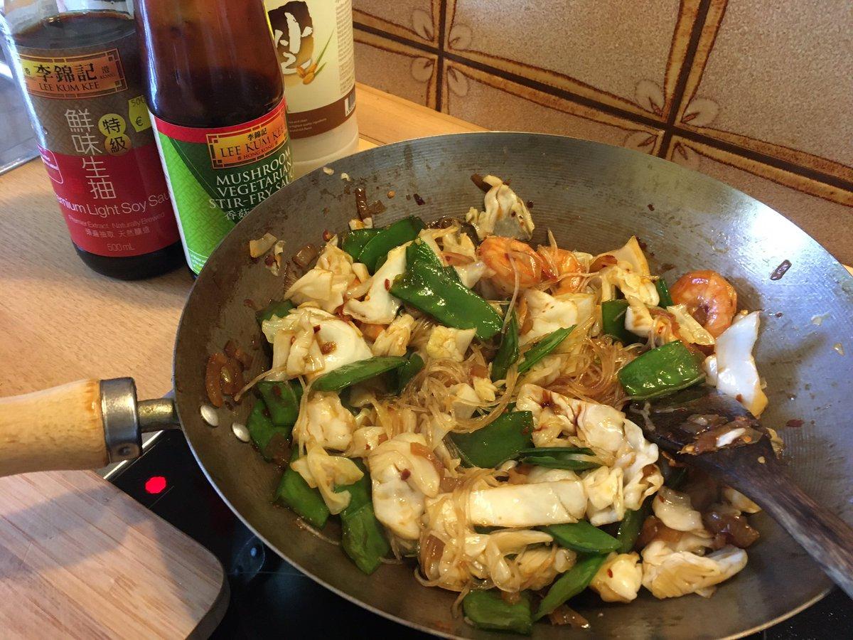 RT @AsiatischKochen: Mein sogenanntes fastfood zum Mittag. 10 Minuten Zubereitung https://t.co/P5RpjZVaxg