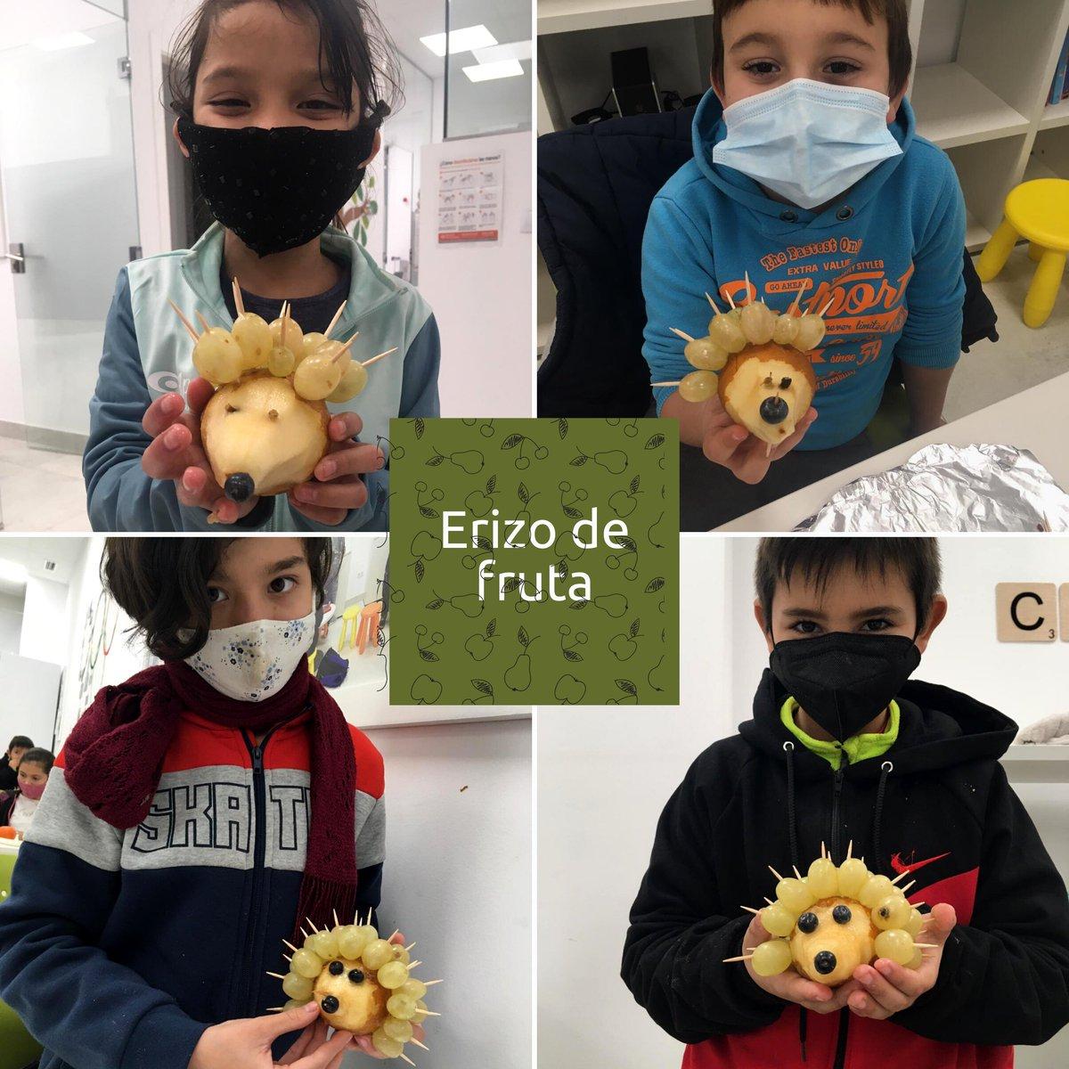 🦔🍎🍇 Erizo de fruta: divertido, ¡y sano!  La fruta es el ingrediente protagonista en esta actividad de postres saludables, para promocionar su consumo a través de platos creativos y divertidos.  ¡A los niños y niñas del Centro #FundaciónRafaNadal de #Valencia les ha encantado!
