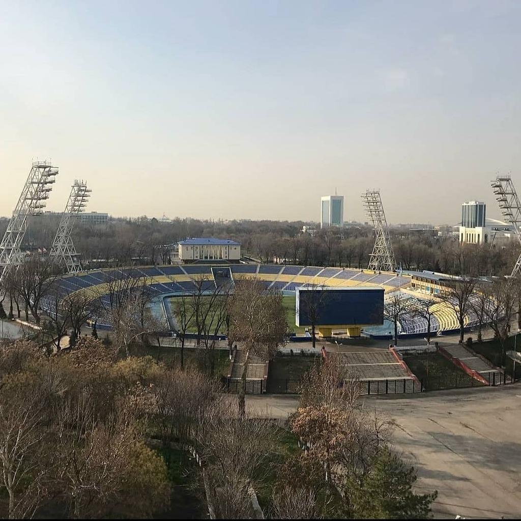 Day 56 How about the Pakhtakor Central Stadium on a Floodlight Friday?   #uzbekistan #uzbek #uzbekistan🇺🇿 #asia #uzbekistan #taşkent #tashkent #stadium #fussball #ultras #pyro #afcchampionship #pakhtakor #uff #fcpakhtakor #пахтакор #ozbekiston #узбекист…
