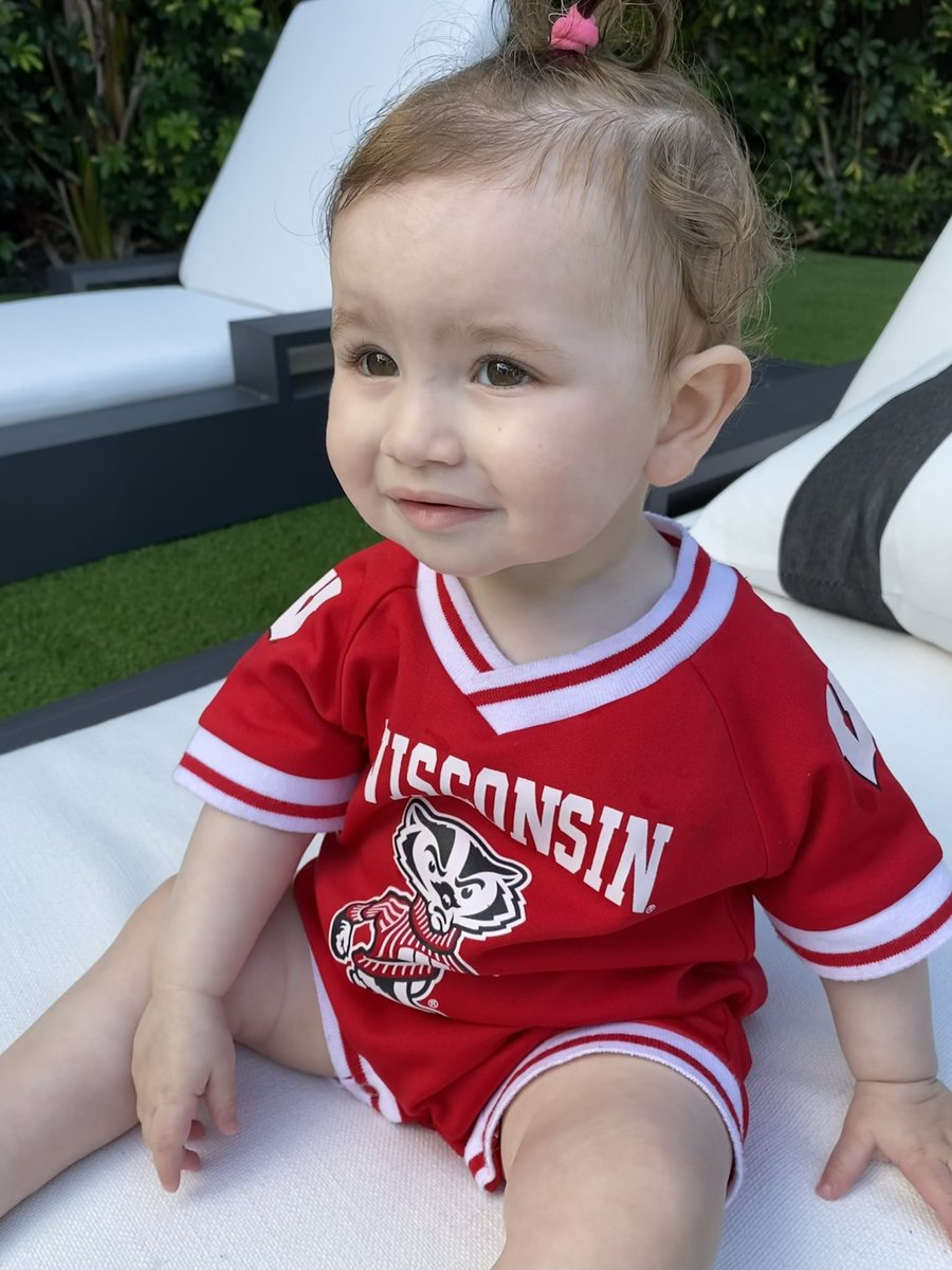 test Twitter Media - Legacy @UWBadgers. Unless Mom makes me go to @Harvard! 📚 https://t.co/QD0av3dS70