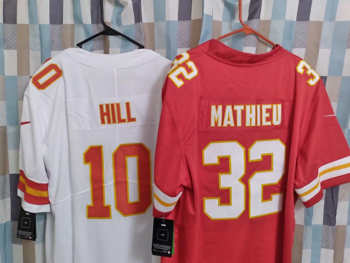 I got these to remember back to back SuperBowl appearances #ChiefsKingdom #Chiefs #KCChiefs #RunItBack #GoChiefs #NFL #NFLFAN #SuperBowl #AFCChamps #Missouri #ShowMeState