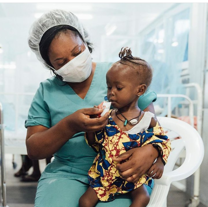 doctorswithoutborders Little Alice Tilu is being treated for malnutrition and septic pneumonia at SISFs Hangha Hospital in eastern Sierra Leone. Before each feeding session, the nurses and mothers sing songs to remember information about how to take care of their sick children.
