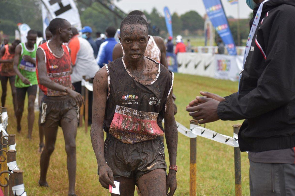 Rodgers Kwemoi wins the Kenyan Cross Country Championships! 📷 @MichKatami
