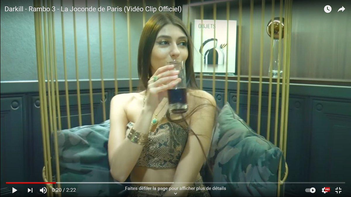 """La nouvelle coqueluche des cyber natios, la nouvelle Jeanne d'Arc, la """"nouvelle star de la droite"""" #estelleredpill en train de nous montrer son amour de la culture européenne dans cette vidéo, il y a 1 an... 🤣"""