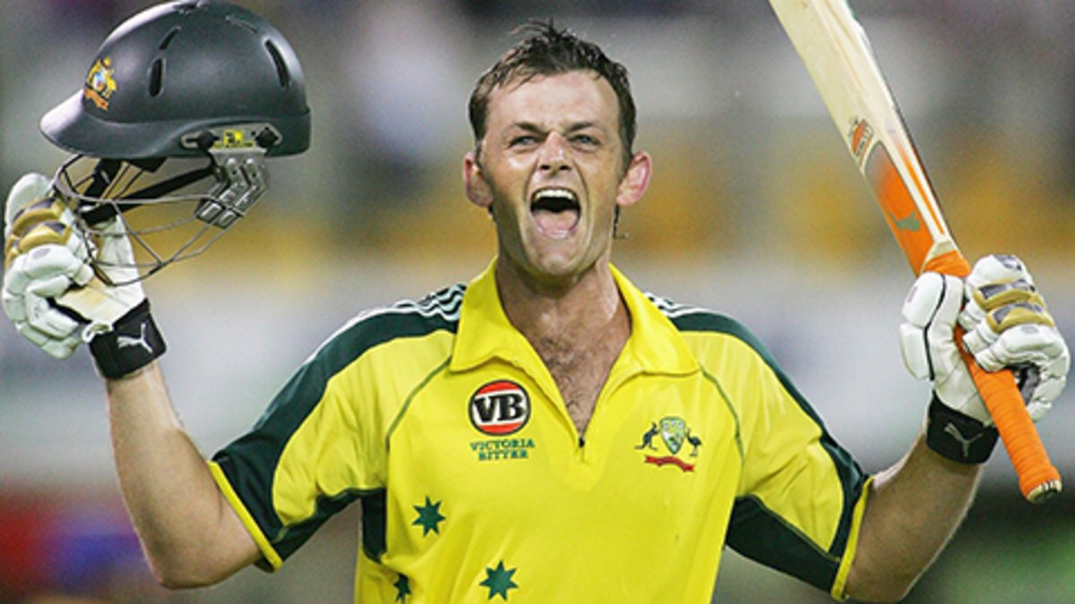 .@gilly381 at his absolute best! On this day 15 years ago, one of Australia's greatest-ever players slammed a 67-ball century against Sri Lanka at the Gabba 😍😍 https://t.co/0QmbHf95Z5