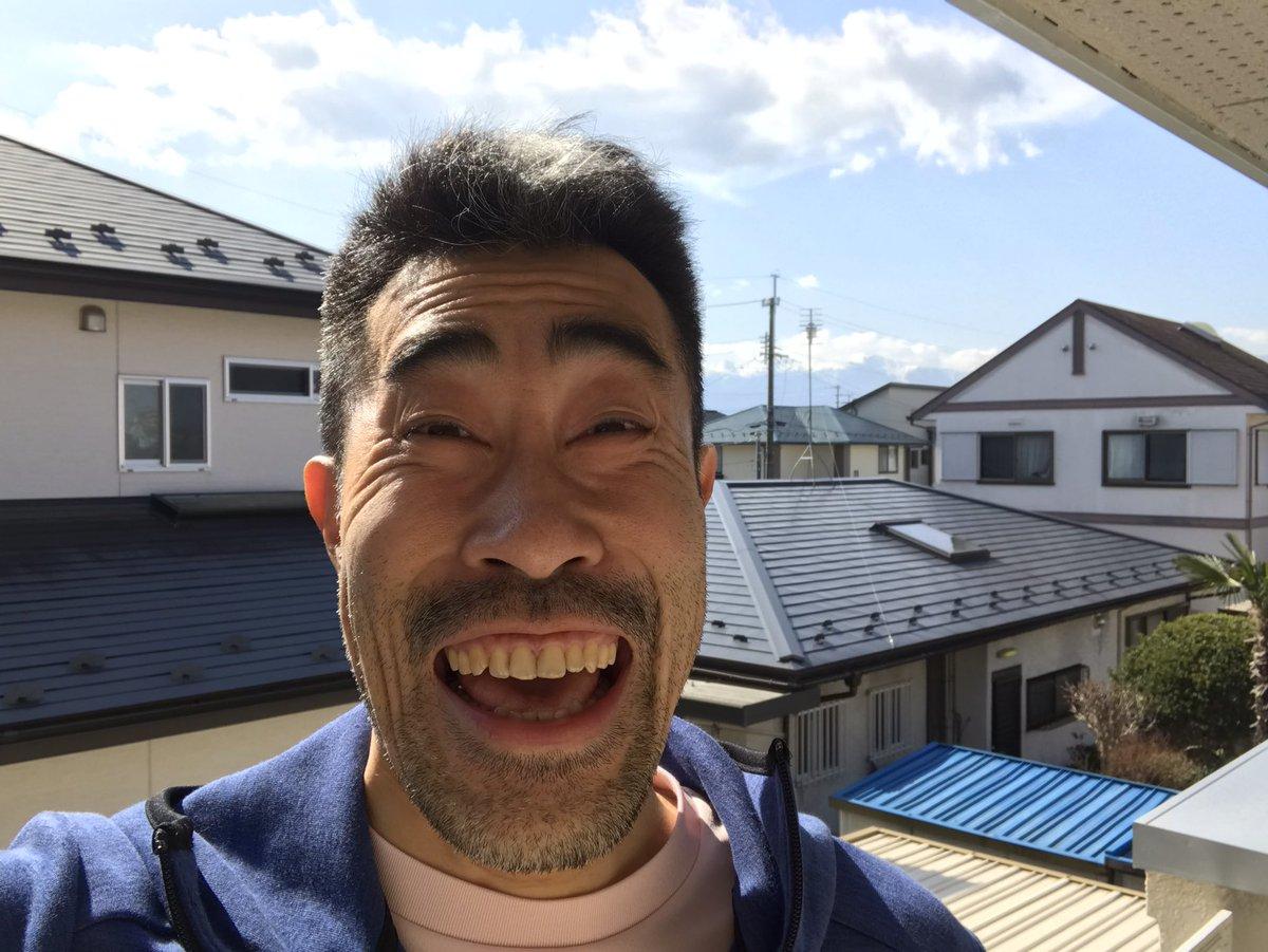 一夜明け、福島市内は快晴に御座います。笑顔は不謹慎だとの批判非難を受ける可能性も否めませんが、それでも東日本大震災の時、私の笑顔で救われたというお声も少なからず頂戴致しました。もし私の笑顔で少しでも元気になったりホッと一息、心を安らげられたらとの一縷の願いを込めまして。