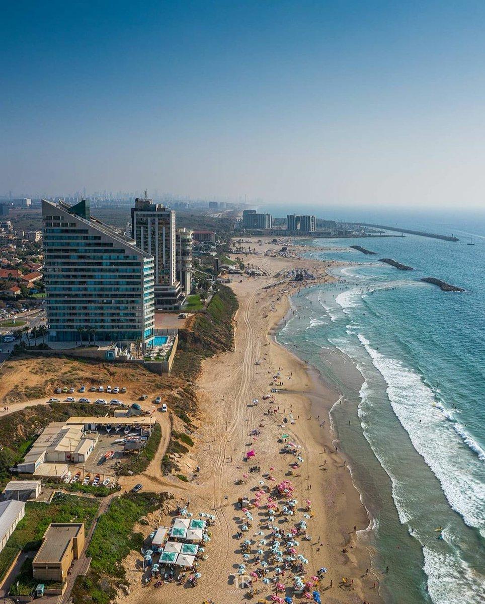 إسرائيل تغرد : #صباح_السعادة من ساحل هرتسليا شمال تل ابيب منظر يدعو الى راحة البال. مما قاله عمر بن الخطاب (ر) اعتز…