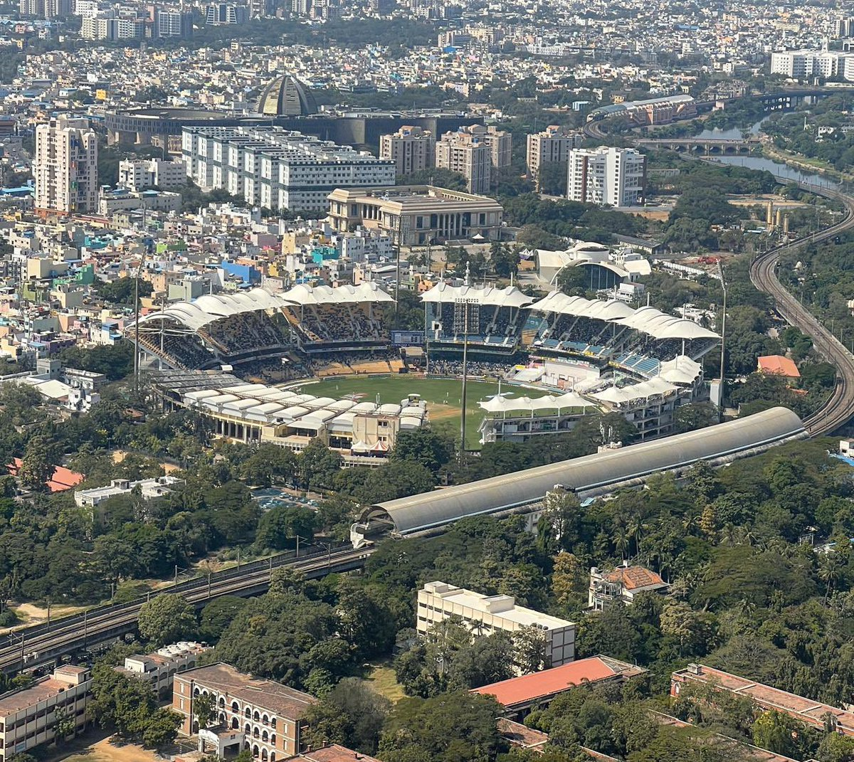 Caught a fleeting view of an interesting test match in Chennai. 🏏 🇮🇳 🏴
