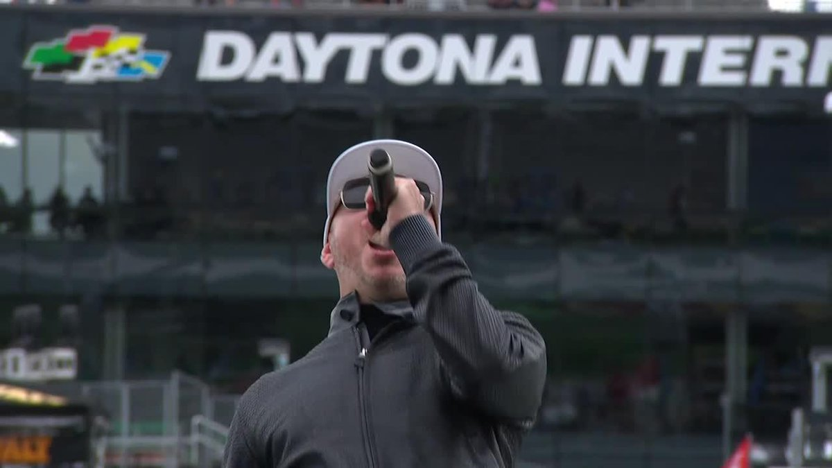 Mr. Worldwide, our stage is yours!  @pitbull delivers the command to start the engines at the #DAYTONA500! (📺: FOX)