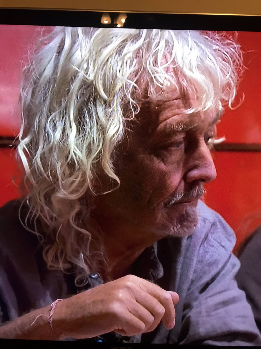 This just has to be @robertplant one of the volunteers at @TFhorserescue on @channel5_tv  Rich Holiday,Poor Holiday this evening ?