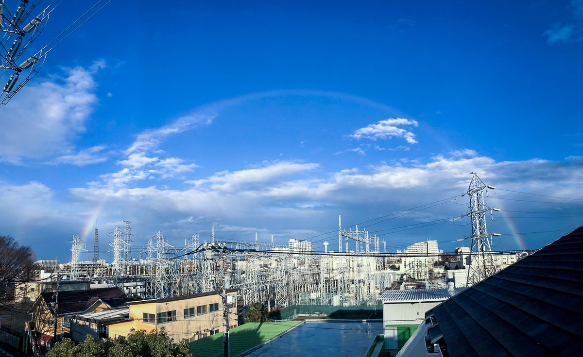 雨上がり。美しい虹がかかりました。