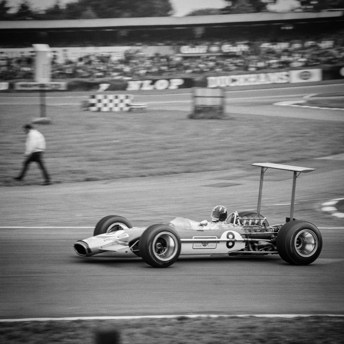 Well remembered @Brands_Hatch #GrahamHillBend #f1