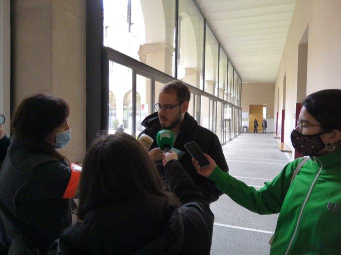 Pablo Hasel es tanca al rectorat de la Universitat de Lleida per evitar la detenció