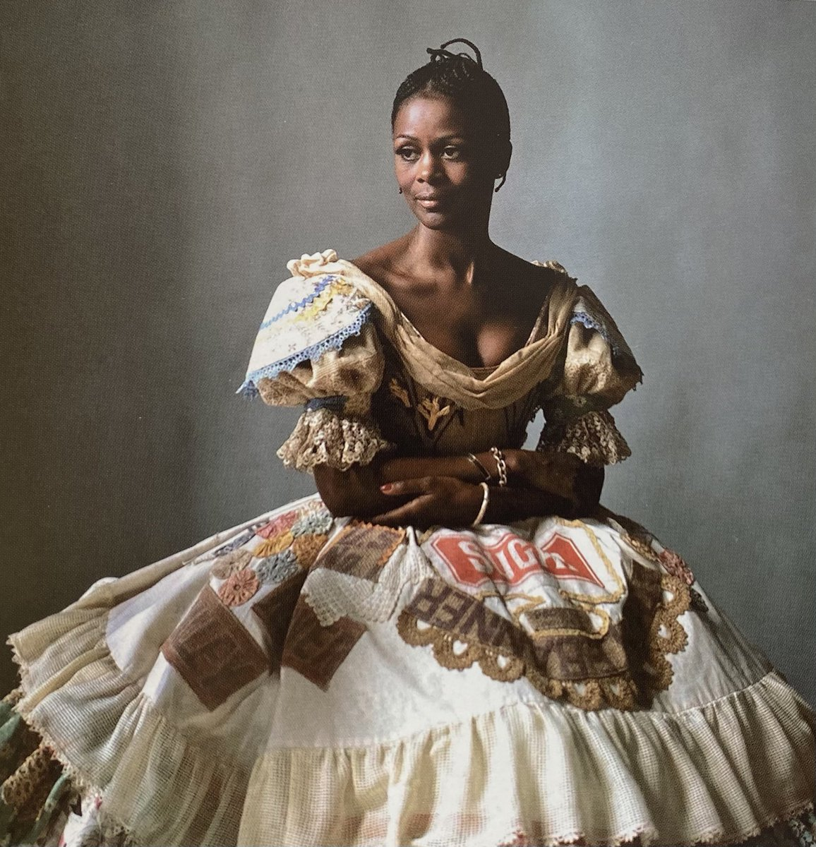 #CicelyTyson's autobiography is a must read. And while the cover photo is stunning, I literally gasped when I first opened the book & saw this photo I had never seen before of Tyson wearing the dress she wore to the NY premiere of #Sounder. The photo was taken by Lord Snowden.