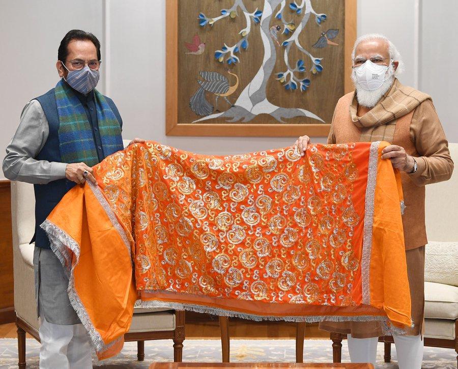 PM Modi hands over Chadar to be offered at Ajmer Sharif Dargah on 809th Urs of Khwaja Moinuddin Chishti