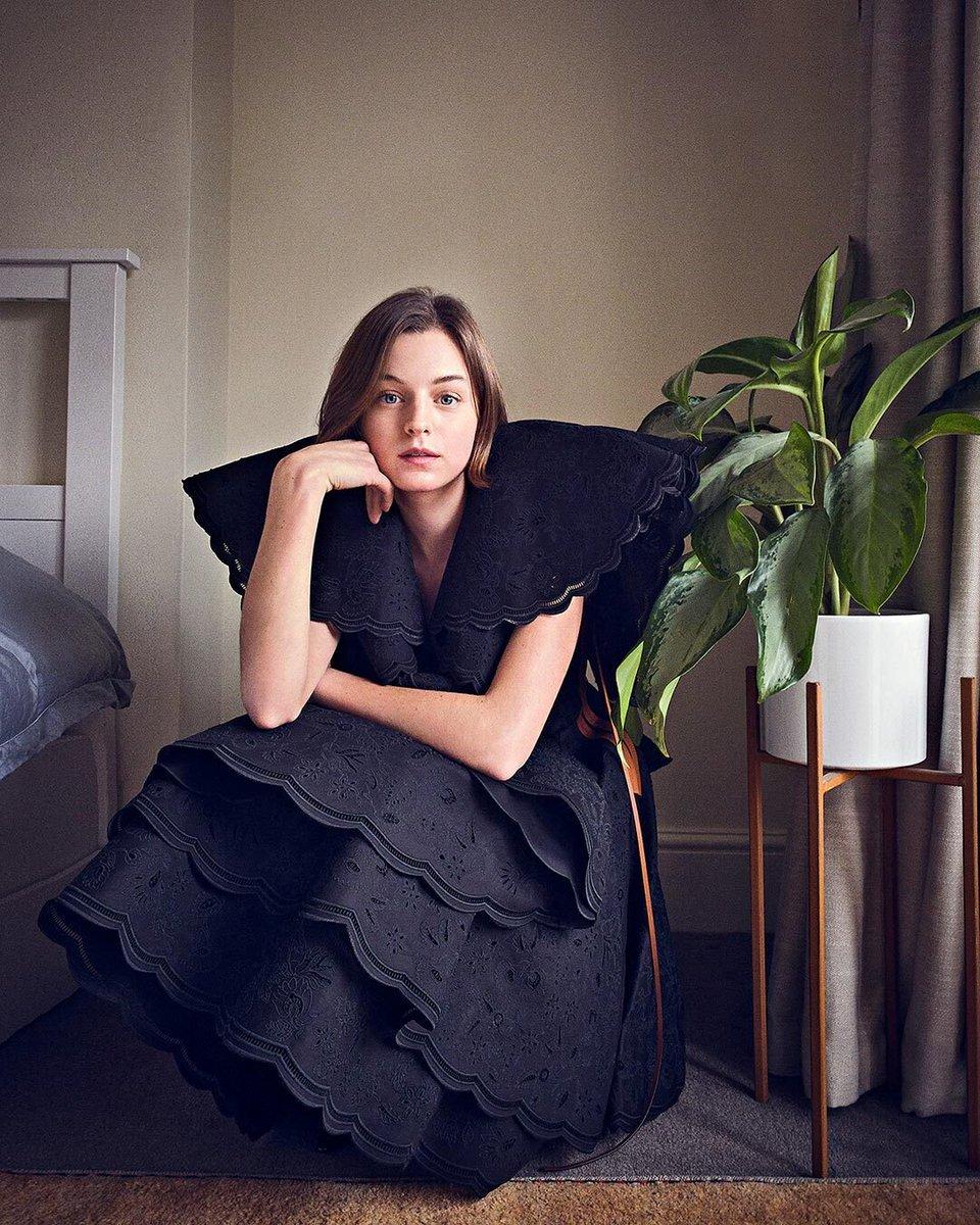 Emma Corrin in LOEWE Spring Summer 2021 for Entertainment Weekly  #LOEWE #LOEWESS21