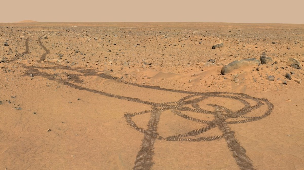 Rover tracks on #Mars. Can't wait to see what the fellas at @NASA and @NASAJPL will surprise us with when @NASAPersevere lands! #Mars2020