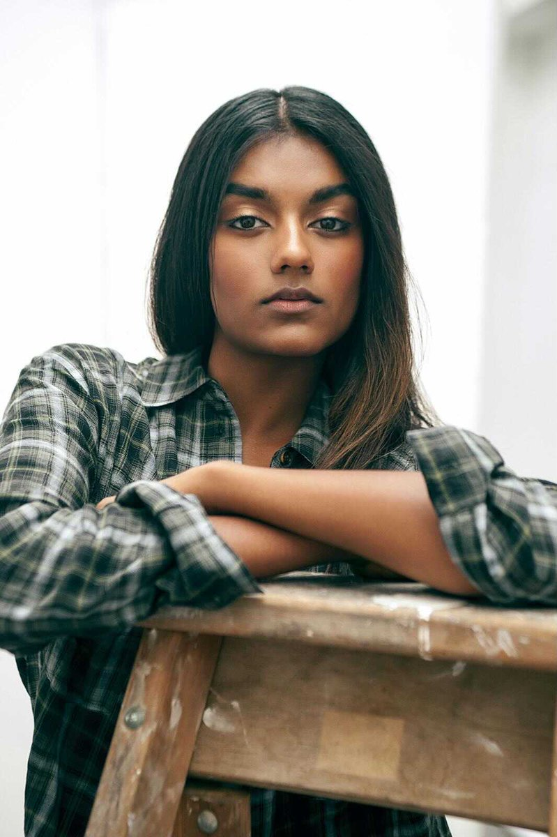 """shondaland tv on Twitter: """"Simone Ashley is Miss Kate Sharma. Newly arrived  in London, Kate is a smart, headstrong young woman who suffers no fools —  Anthony Bridgerton very much included. 🐝 #"""