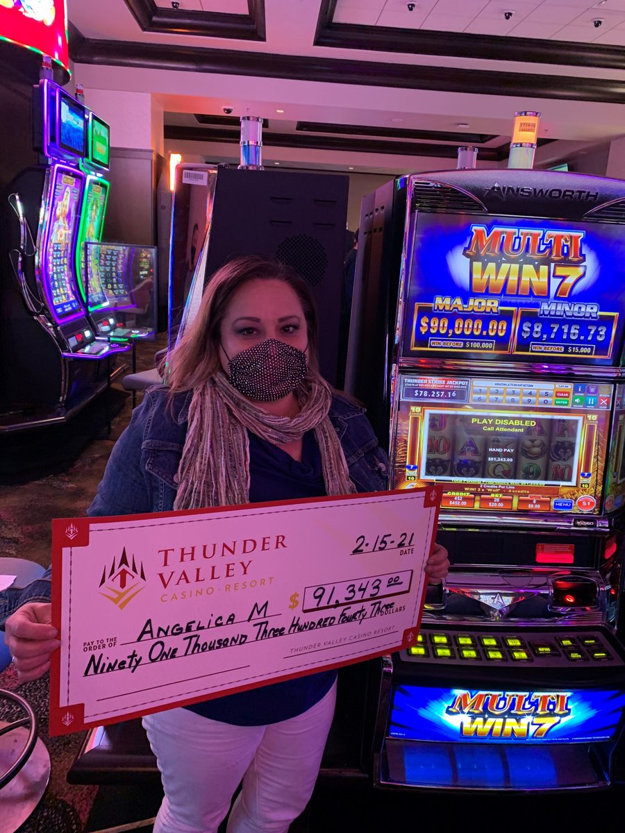 These 3 lucky guests hit it big this holiday weekend last night and earlier this morning. Congratulations!  🎉 🎰 💰 🤑
