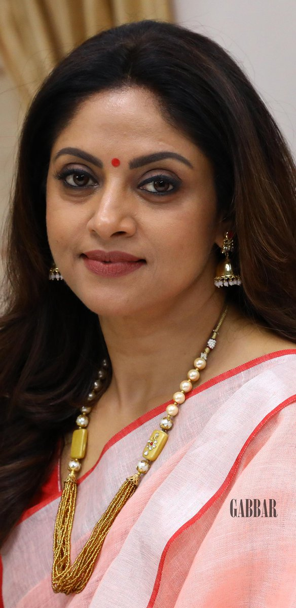 Nadhiya Nadhiya