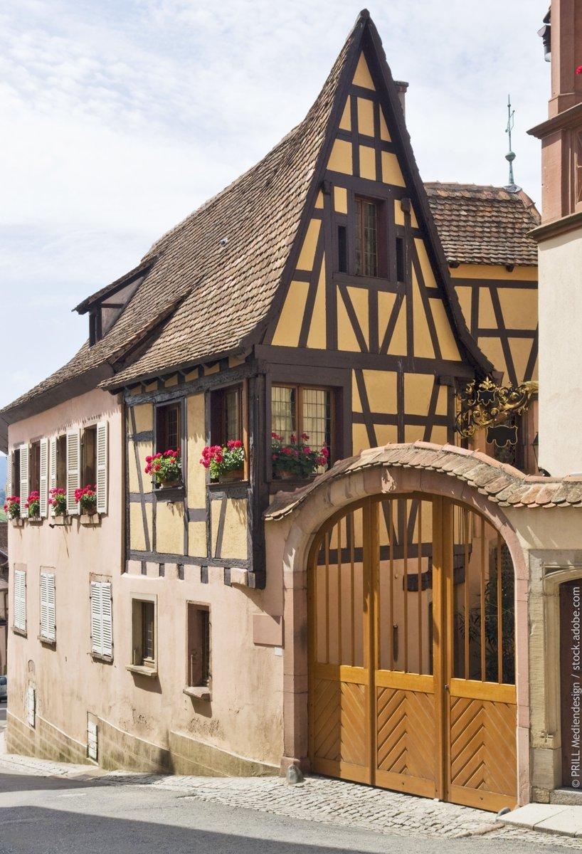 Bienvenue à Mittelbergheim, un village au cœur du vignoble… où chaque pierre et chaque maison raconte une histoire ! https://t.co/VGcwWALhpZ #Alsace #VisitAlsace #DrinkAlsace https://t.co/Nn3mSf14n6