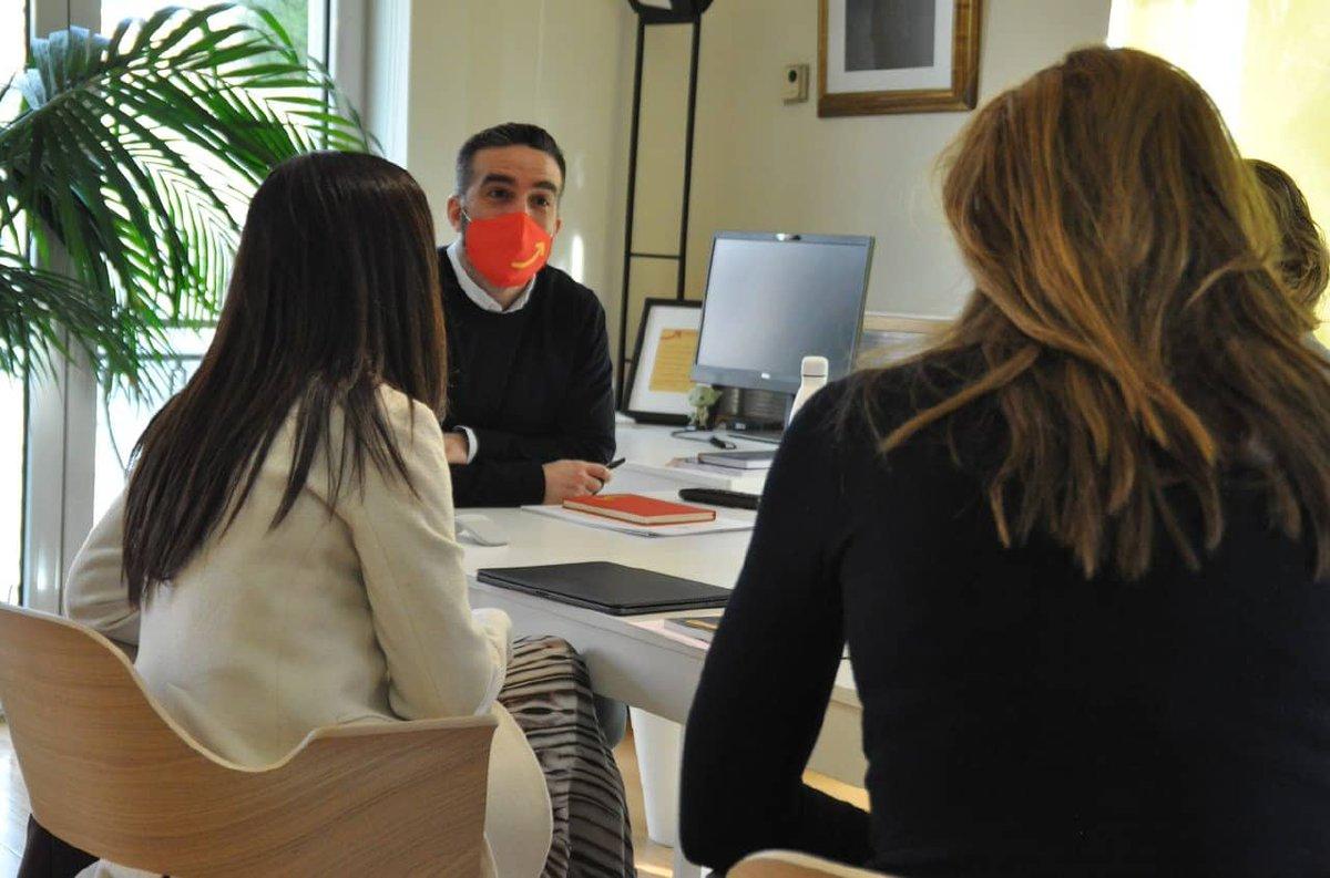 📷Nuestra presidenta @BeatrizCorredor y la directora de @elewitventures, @silvia_bruno_ , han presentado a @franciscopolo del @ene_gob los proyectos de innovación en los que trabaja el #GrupoRedEléctrica para hacer efectiva la #transiciónecológica e impulsar la #digitalización.