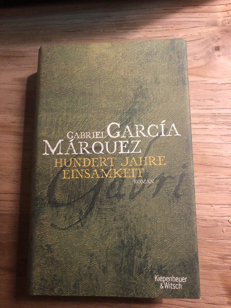 @embac @resingbitchface @RobTreichler @NanaSiebert @oliverdasgupta @JuliaPuehringer @MartStaudinger @ListHeidi @SiobhanGeets @tschinderle @markus_vgf @LenaElenaNagler @sjungnikl @LenaMedved @_kid37 @valentinruhry Danke, liebe Martina! Ein all-time favourite ist Hundert Jahre Einsamkeit. Und wie schaut's mit euren Lieblingsbüchern aus, @J_Kohlenberger @kathi_prager @anderle_at?