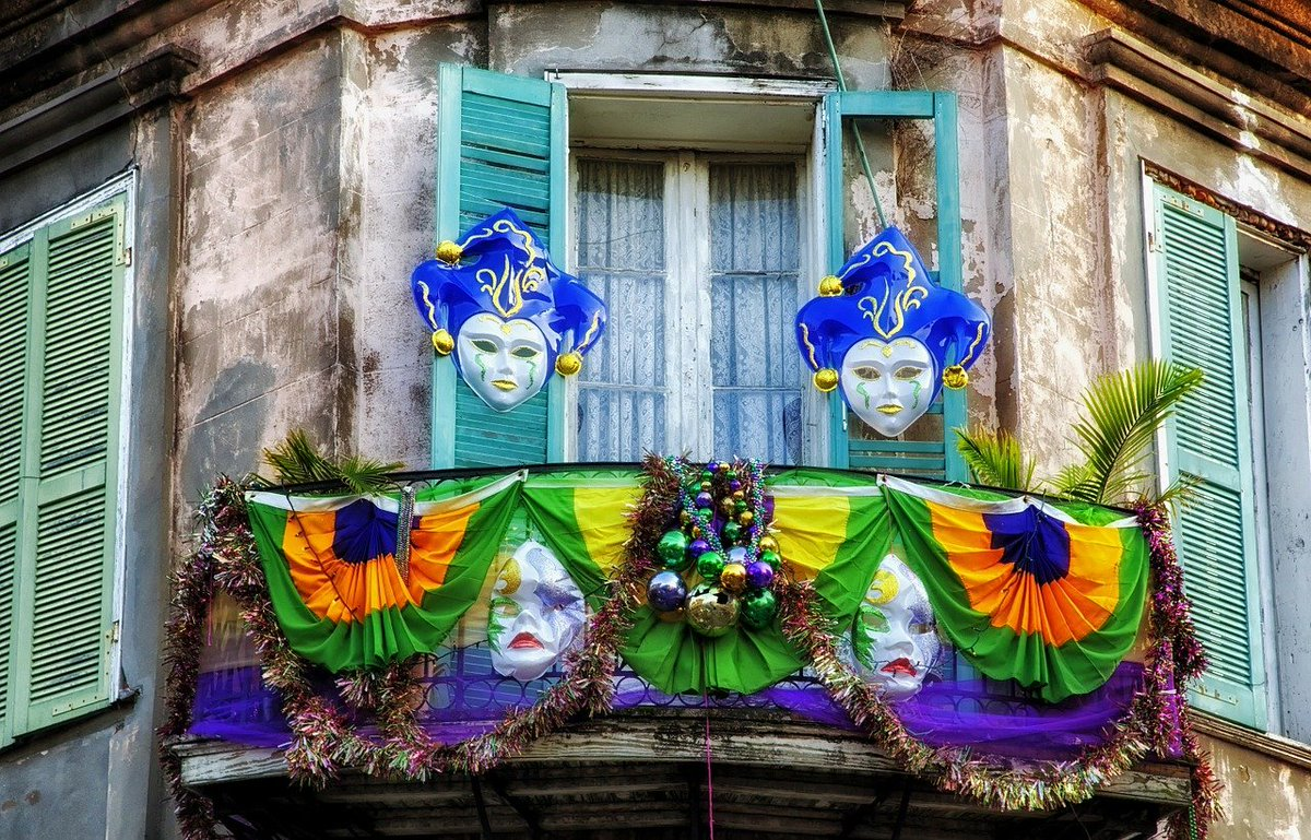 #FBINewOrleans wishes everyone a happy #MardiGras2021 and remember if you #SeeSomeThingSaySomeThing. Report fraud, corruption, scams, and crime to 1-800-CALL-FBI or submit a tip at tips.fbi.gov.