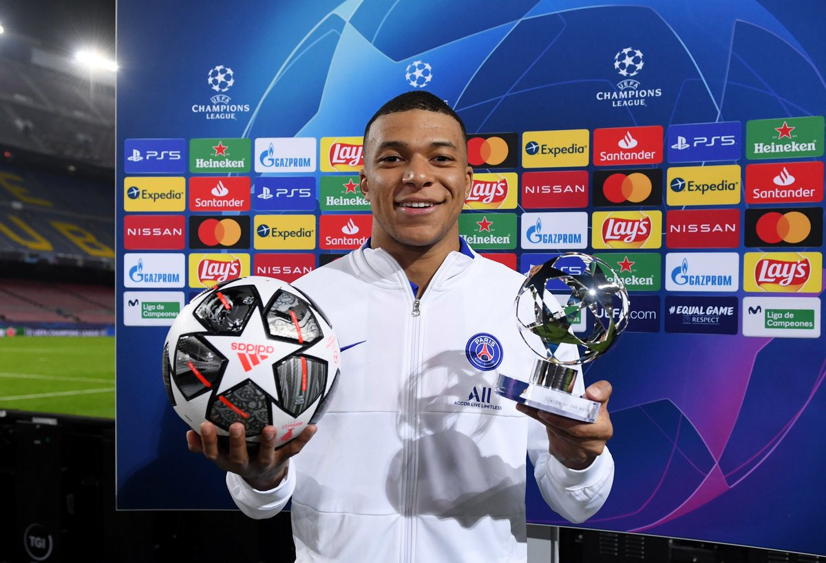 """🐶""""The alpha dog in football."""" 🇧🇷""""A performance like the old Brazilian Ronaldo.""""  🥶Cold-blooded Kylian Mbappe showed why he is the heir to Lionel Messi's throne.   #bbcfootball"""