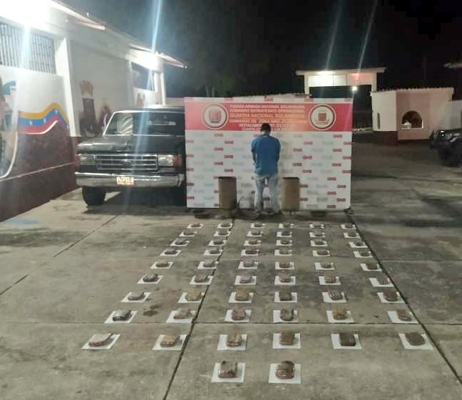 Tag fanb en El Foro Militar de Venezuela  EuZOXyIXcAENwiN?format=jpg&name=small