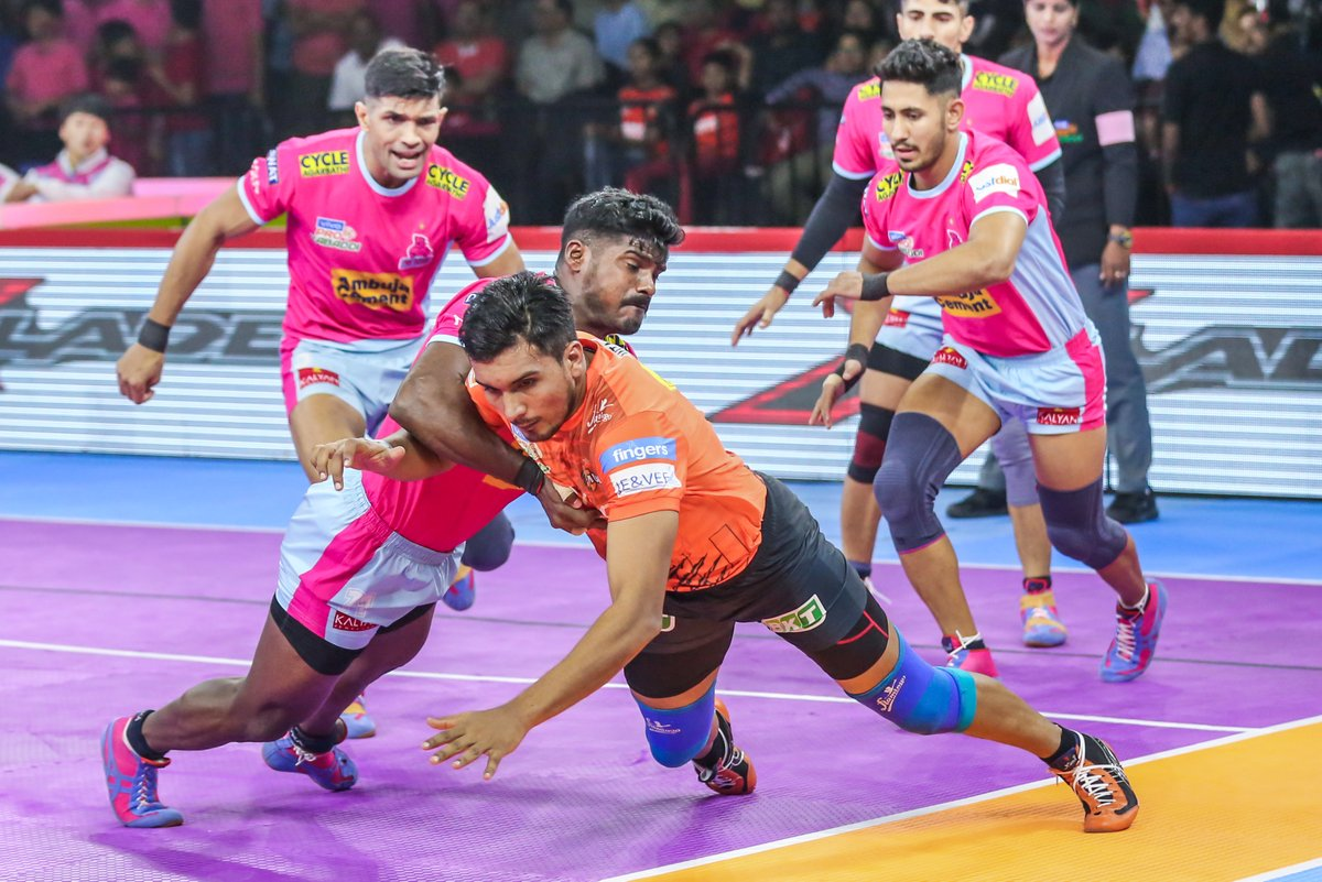 It takes sheer will and raw strength to defend what's yours!  #PantherSquad #JaiHanuman #TopCats #JaipurPinkPanthers #JPP #Jaipur #vivoprokabaddi
