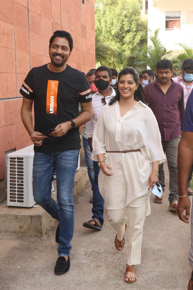 So muchhhhhh love for #Naandhi feels sooo good to be part of a genuine hit film with amazing content..thank you #TFI for this amazing love.. words can't explain it..!! #NaandhiSuccessTour #vijayawada #VVIT @allarinaresh @vijaykkrishna @SatishVegesna #Naandhi