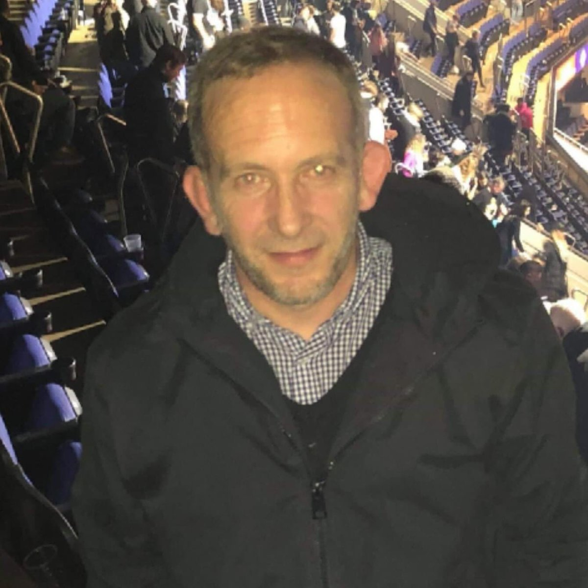 *MISSING - IPSWICH/SUFFOLK - PLEASE SHARE* My dad Steve, 50, has been missing for 48hrs and made no contact with anybody. He's around 6ft with short grey hair (see pictures). Likely to be near #Ipswich or #Felixstowe. LOOK FOR: Silver Toyota Yaris - Reg: EJ53 FXT. DM me if seen.