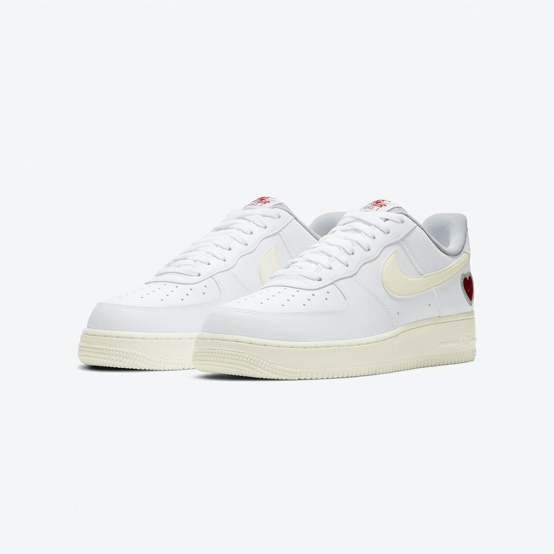 """it's never too late for ❤️  The Nike Air Force 1 """"Valentine's Day"""" is available online. Hurry Up 📲   US 6 (38.5) - US 13 (47.5) style code 🔎  DD7117-100  #titolo #af1  #valentinesday #vday #airforce1 """