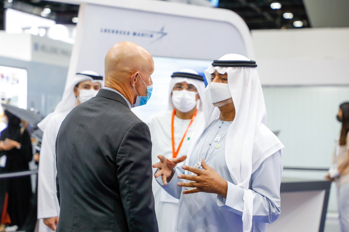 Sheikh Nahyan bin Mubarak Al Nahyan, Minister of Tolerance and Coexistence visited #LockheedMartin today @IDEX_UAE greeted by Bob Harward. Sheikh Nahyan toured the stand and was briefed on the AI capability for aircraft inspection, developed by the #CISS interns #InAbuDhabi