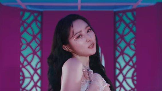 Admiren a Kim Bora (Sua), bailarina asombrosa con un vocal tan dulce y angelical.  @hf_dreamcatcher #Dreamcatcher #SUA #oddeye