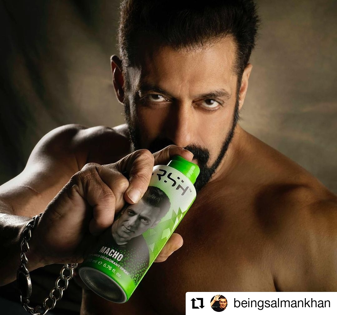 #Repost by @BeingSalmanKhan • • • • • Har andaaz mein FRSHness! Get your dose from here -  @FrshGrooming #RahoFRSH #RahoSafe #FRSH