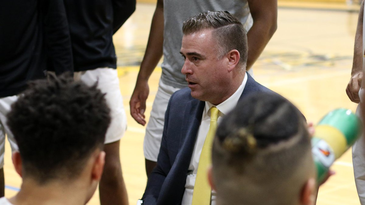 Fans: Listen to @saintrosembb HC Mike Perno on @1045THETEAM with @RodgerWyland today at 12:30 pm. #GoldBlooded. A reminder the #gogoldenknights host Molloy College today at 4:30 pm.